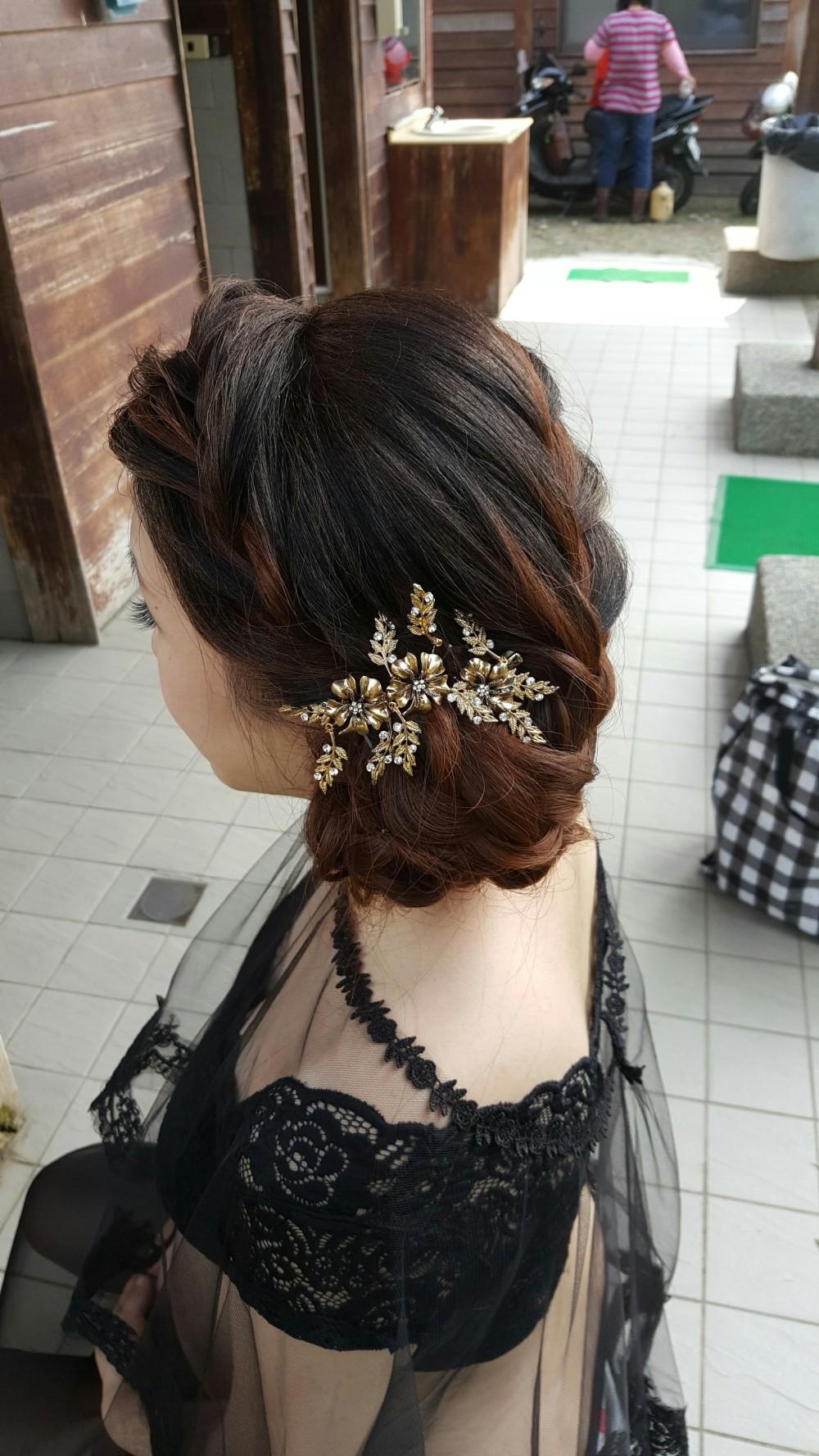 優雅低編髮-台南新祕Penny